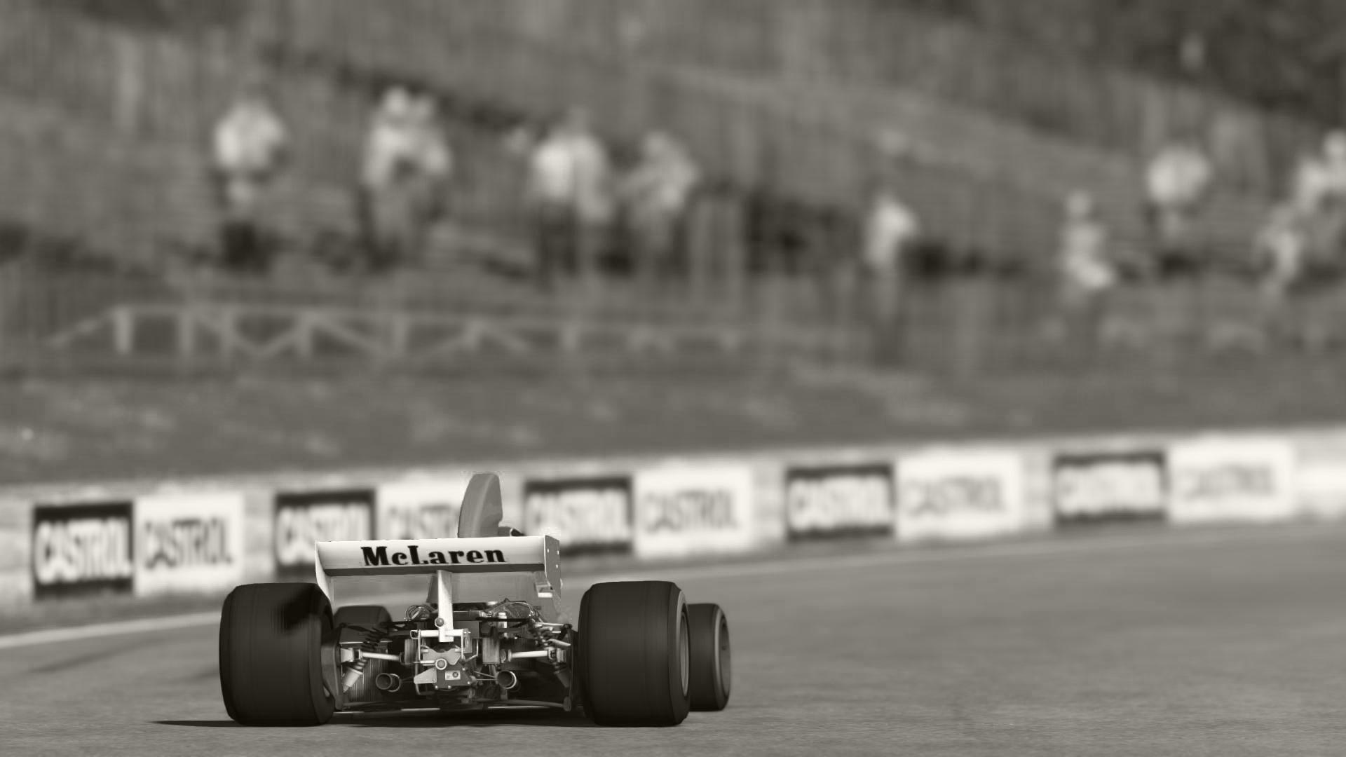 McLaren_04.jpg