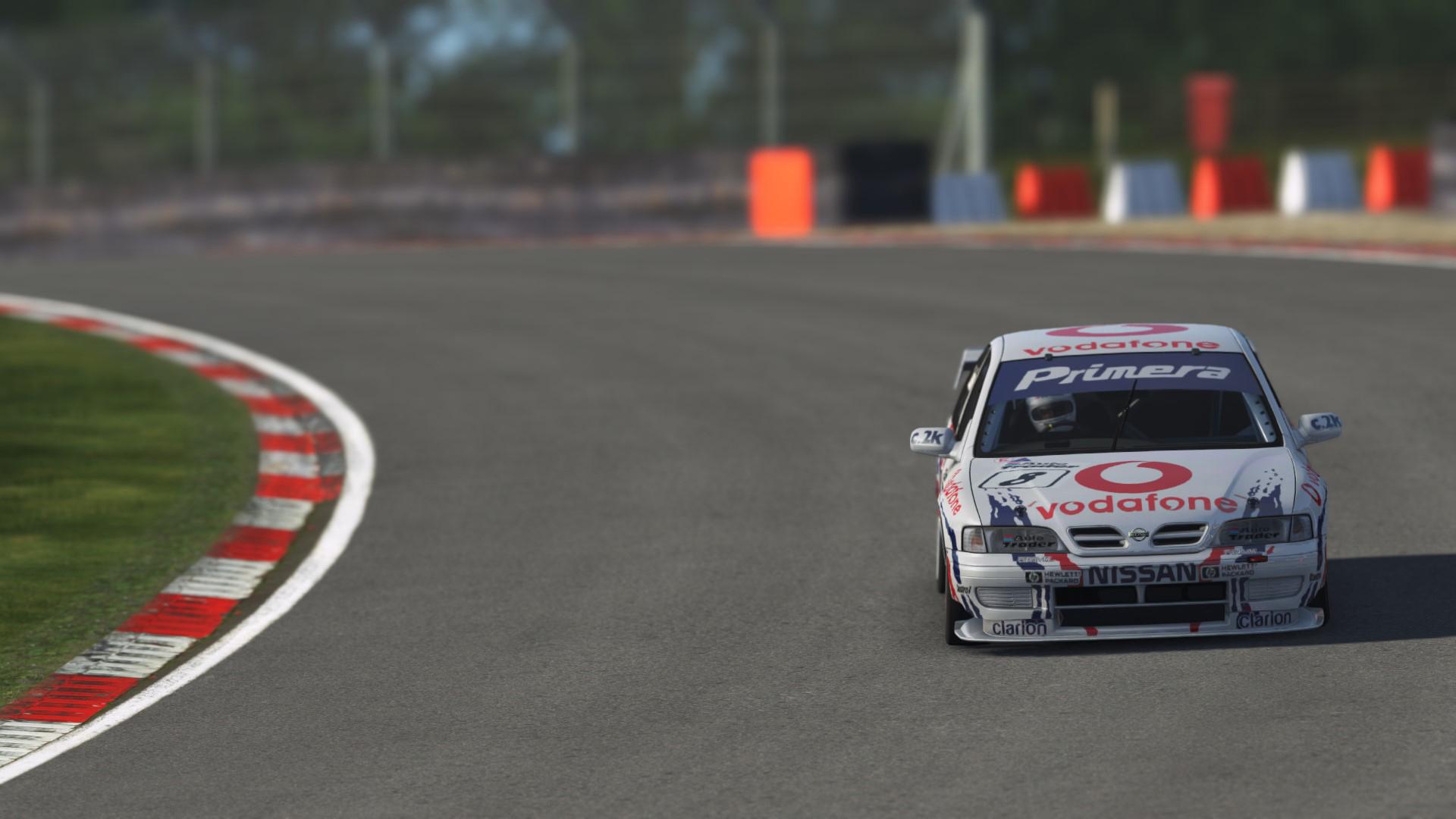 Nissan Primera_011.jpg