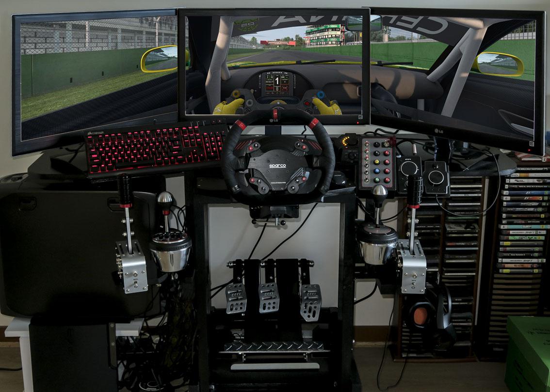 SIM RIG 2x TSS with SCREENSHOT Raceroom.jpg